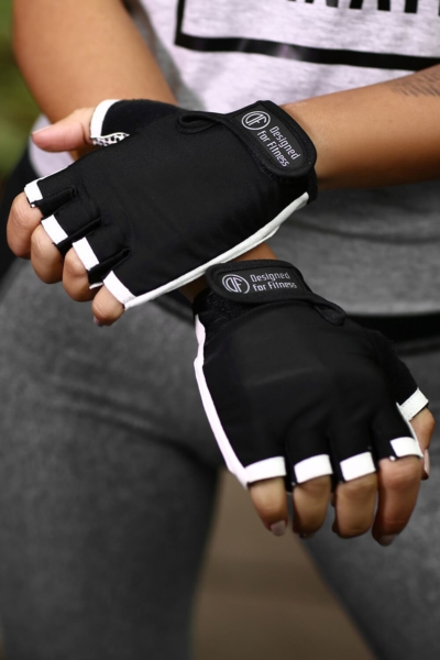Женские перчатки для фитнеса Black N White, фото №1 - Designed For Fitness
